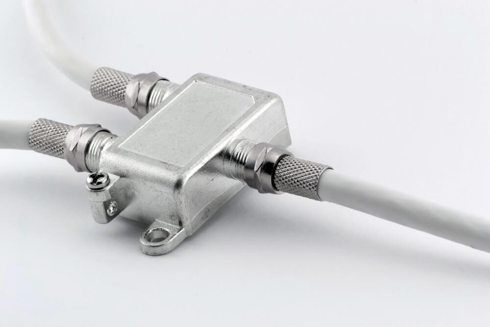 Прокладка и подключение ТВ и ТФ кабеля