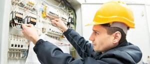 Профессиональные услуги электрика недорого в Москве